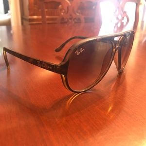 Ray-Ban Accessories - Ray-Ban Cats 5000 Classic Sunglasses